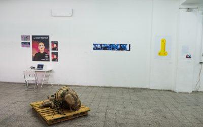 Izložba Hard Pressed: Pritisak u očima mladih umetnika