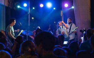 Put u psihodelične predele balkanizovane Kalifornije sa bendom Moussaka