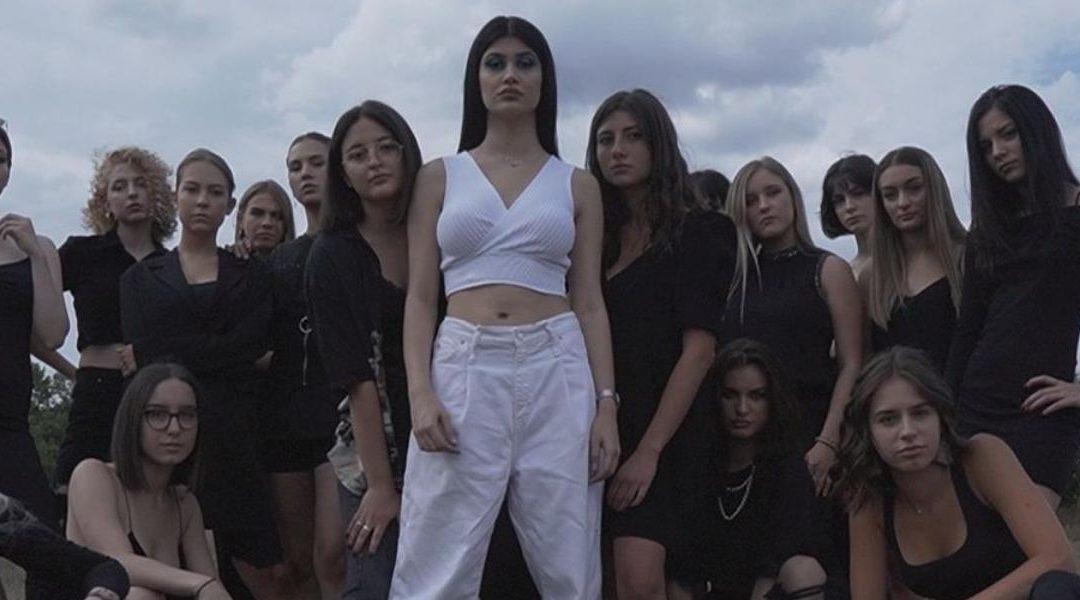 LOLA objavila debi singl
