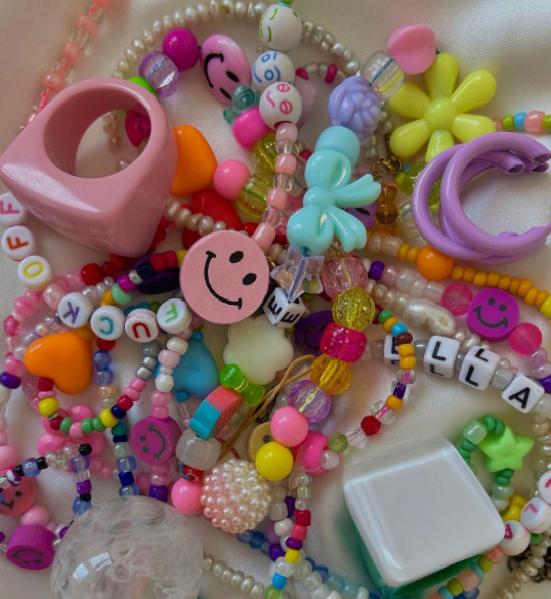Centar Bebe – handmade nakit i garderoba: U choose, we make